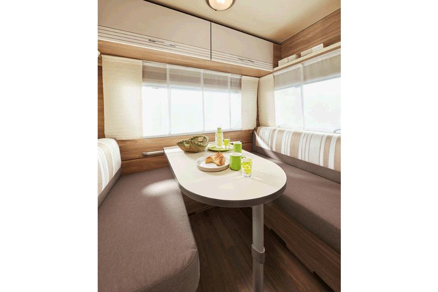 camp-me-wohn-wagen-verleih-caravan-box-buerstner-premio-life-430ts-innen